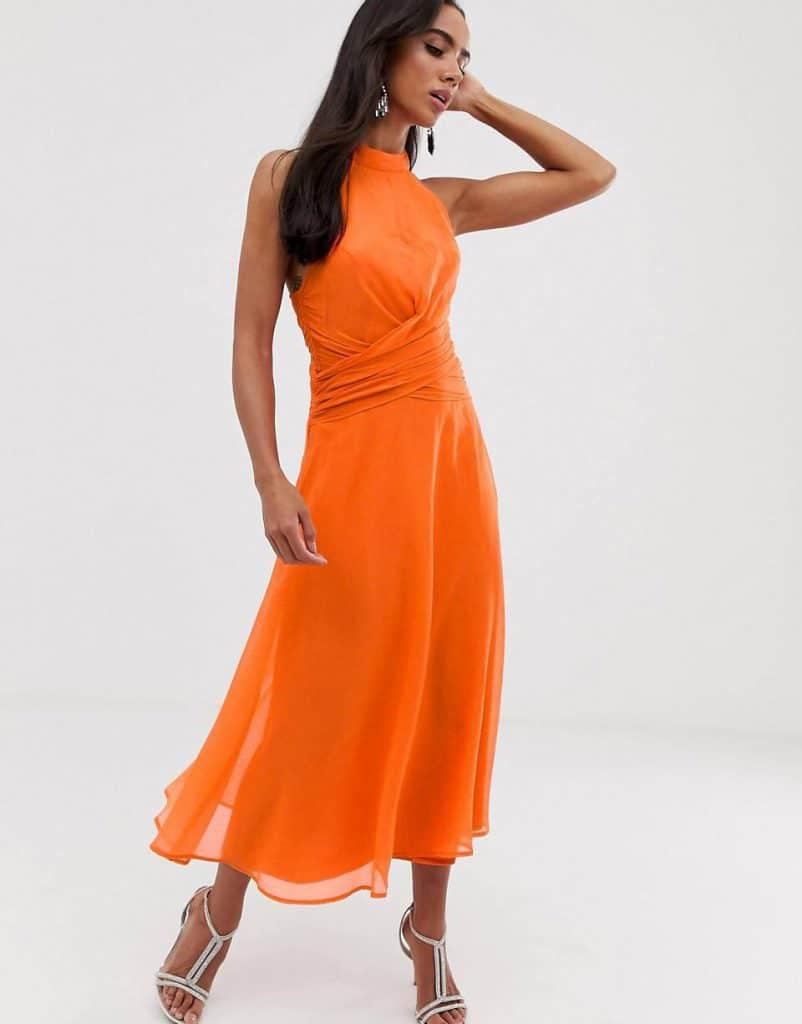 Consejos para estilizar tu figura con tu look de invitada de boda