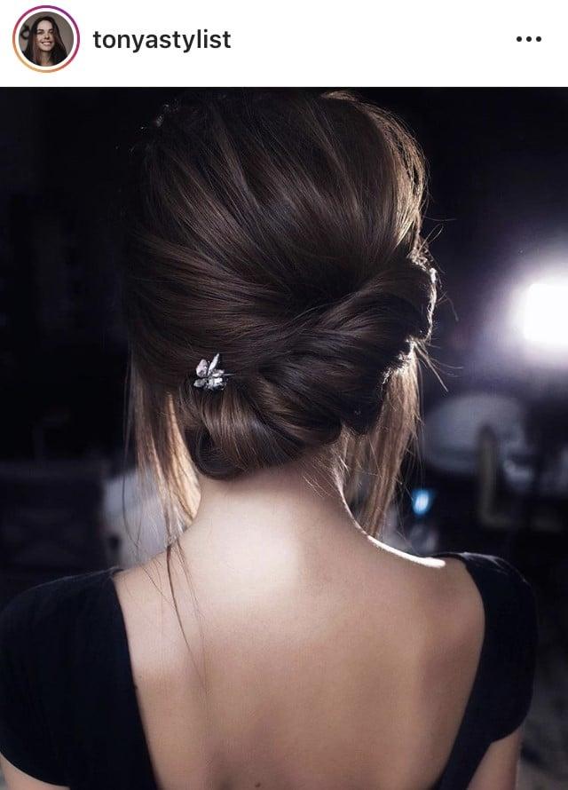 Peinados para invitadas de boda según el escote de tu vestido