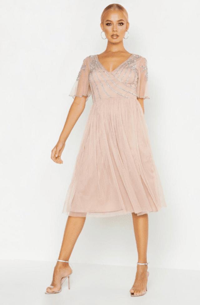 15 vestidos low cost para invitadas de boda – Boohoo10
