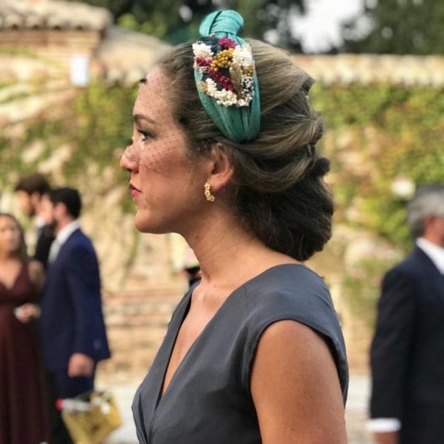 10 peinados para lucir tu diadema de invitada de boda 9